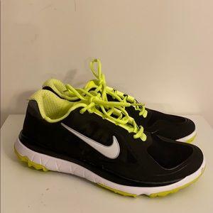 EUC Nike sneakers Sz 9